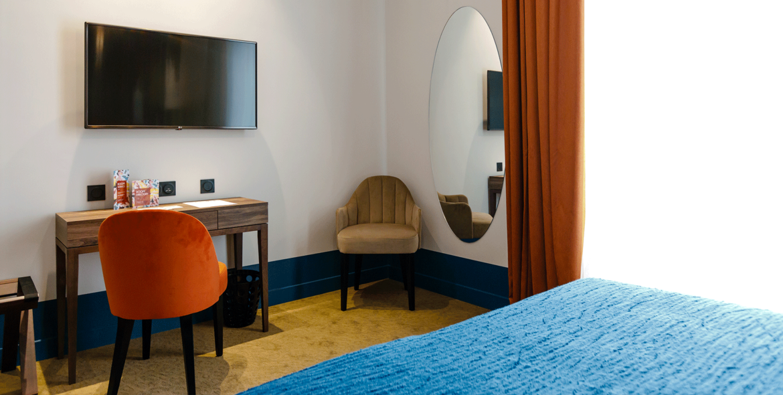 chambre-etage-2-hotel-verlaine-cannes-8